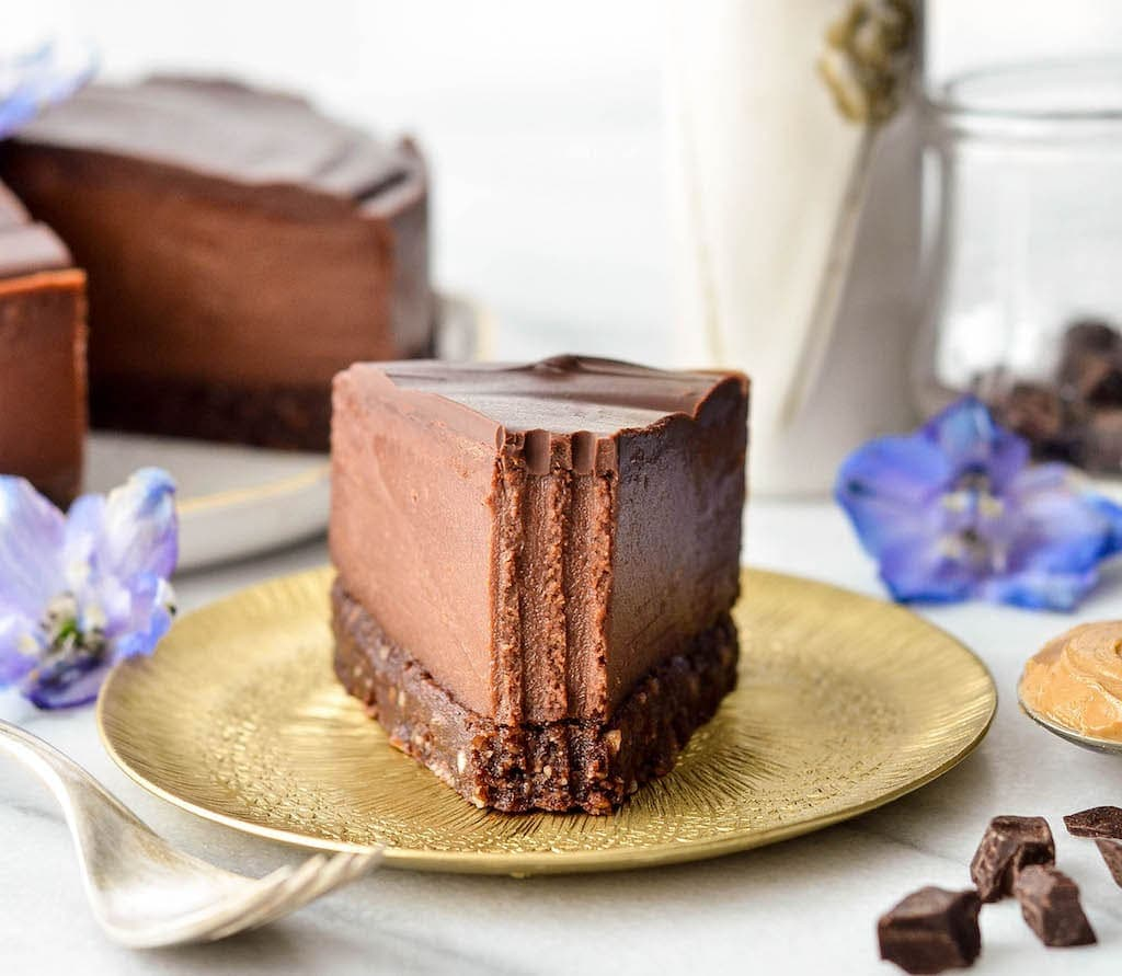 vegan chocolate cheesecake for vegan potluck recipe roundup