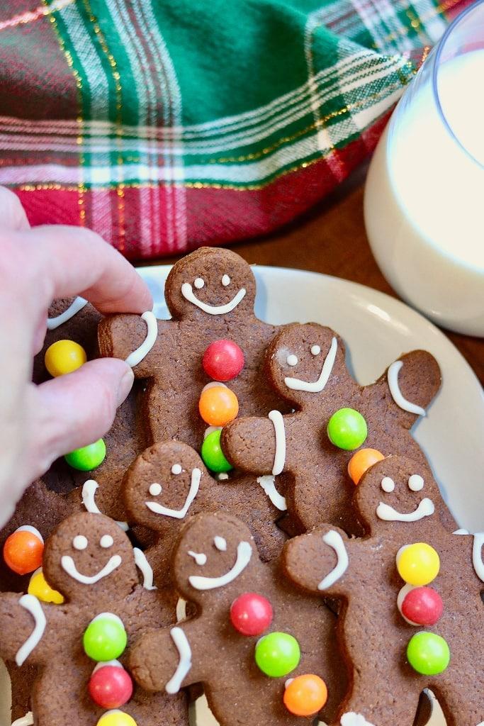 vegan gingerbread cookies on a plate